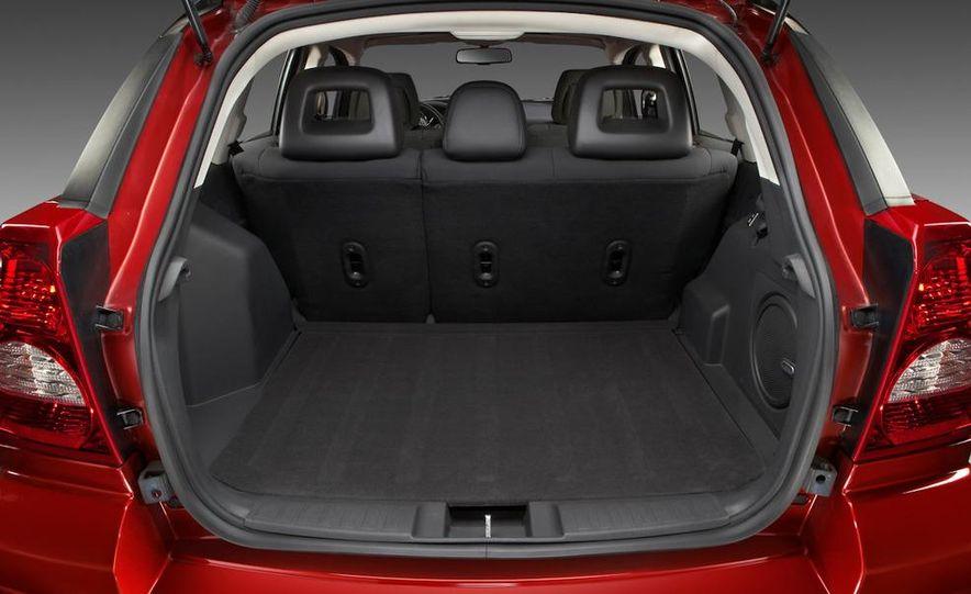 2011 Dodge Caliber - Slide 8