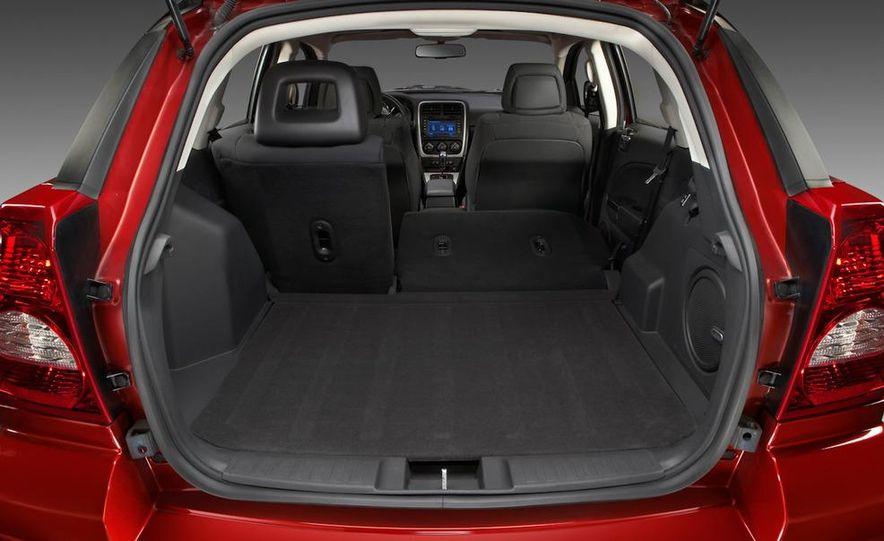 2011 Dodge Caliber - Slide 9