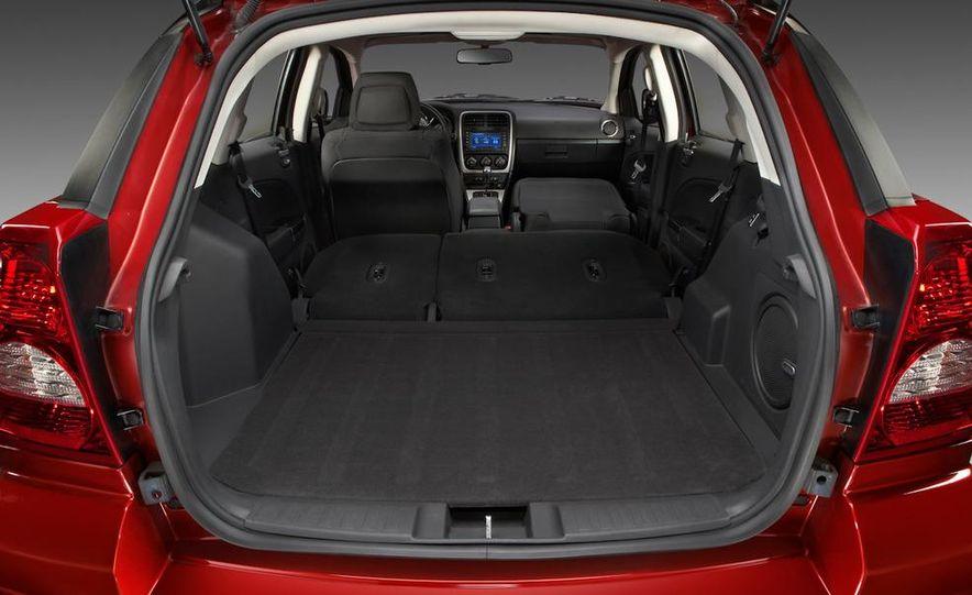 2011 Dodge Caliber - Slide 11