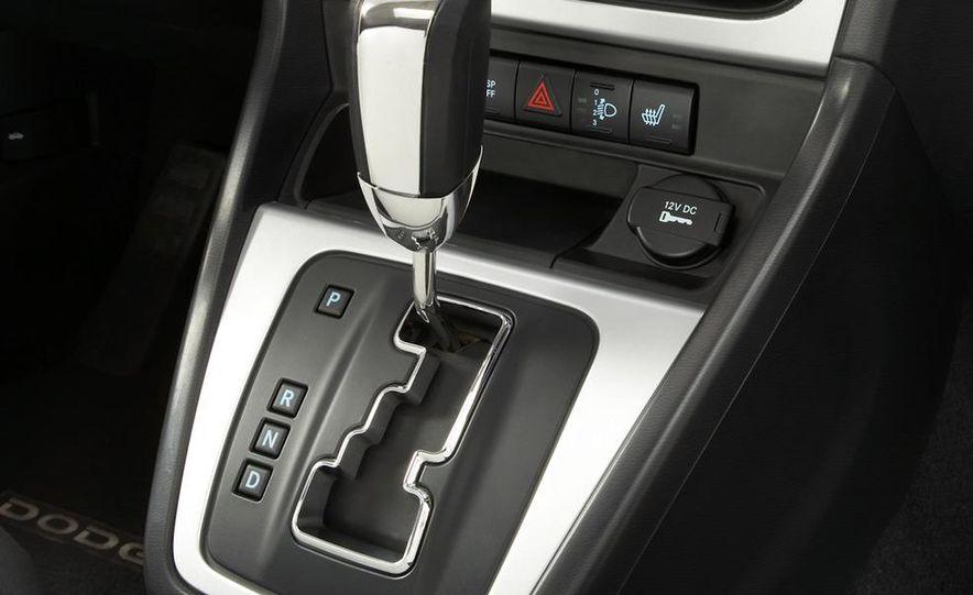 2011 Dodge Caliber - Slide 14