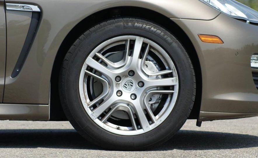 2010 Porsche Panamera S - Slide 17