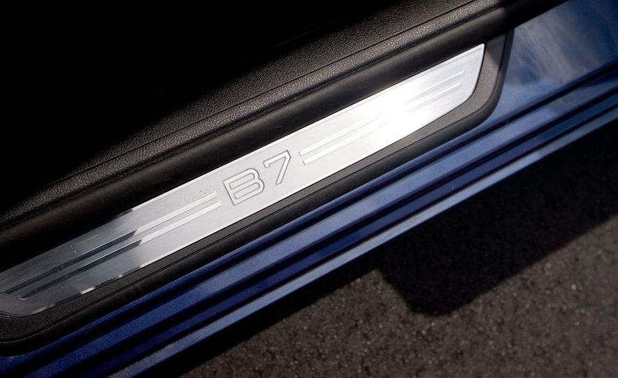2011 BMW Alpina B7 - Slide 21
