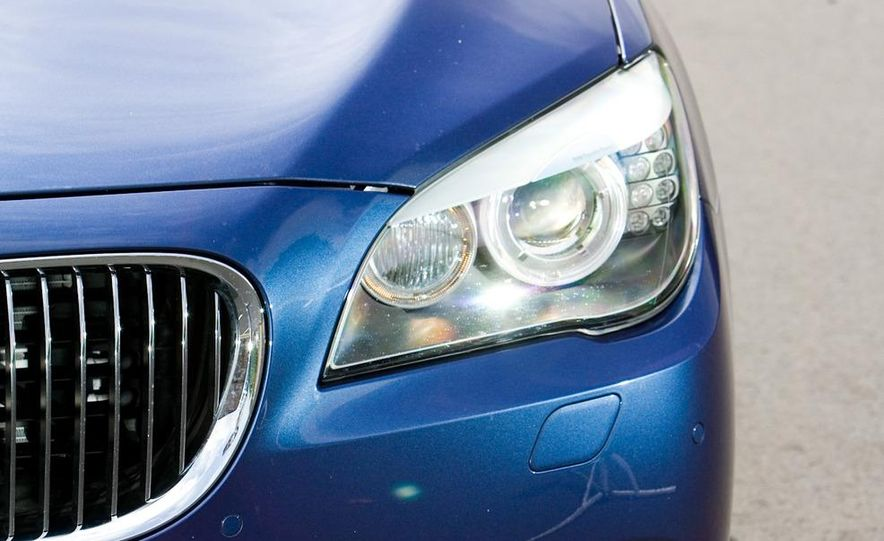 2011 BMW Alpina B7 - Slide 12