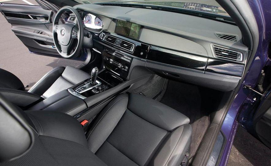 2011 BMW Alpina B7 - Slide 16