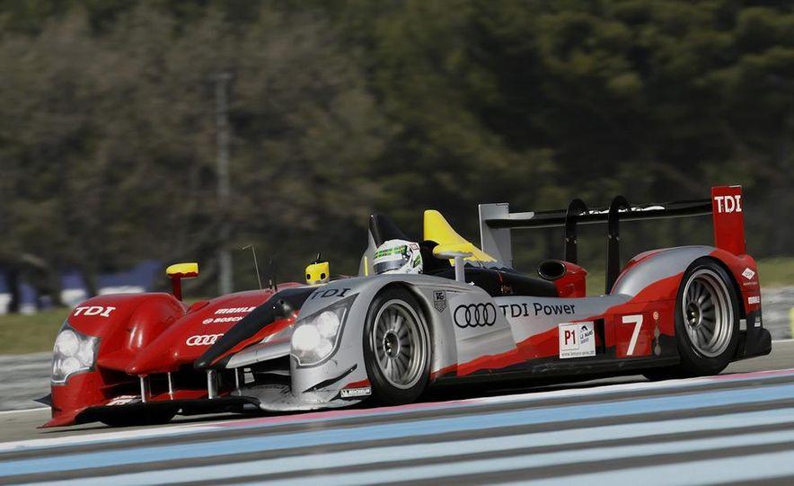Allan McNish driving the Audi R15 TDI - Slide 4