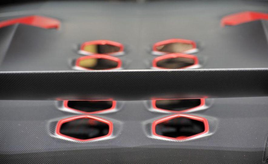 Lamborghini Sesto Elemento concept - Slide 25