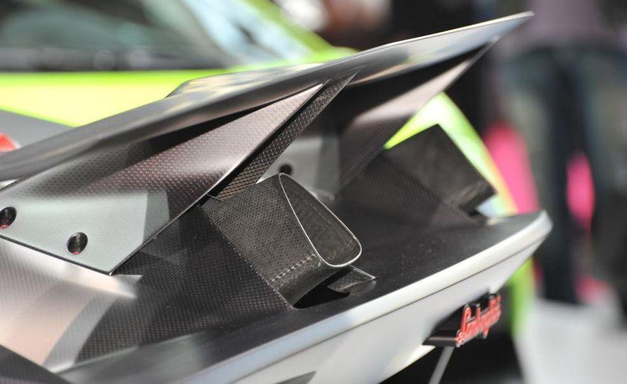 Lamborghini Sesto Elemento concept - Slide 12