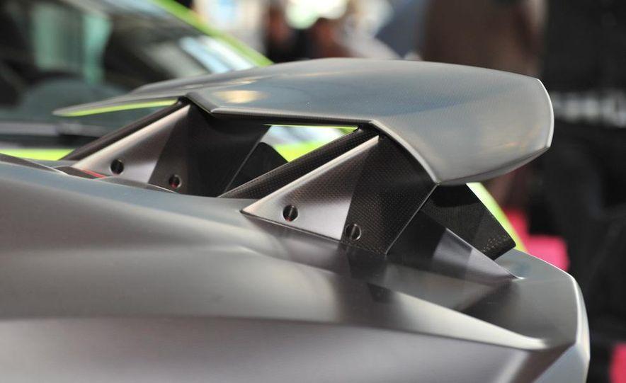 Lamborghini Sesto Elemento concept - Slide 16