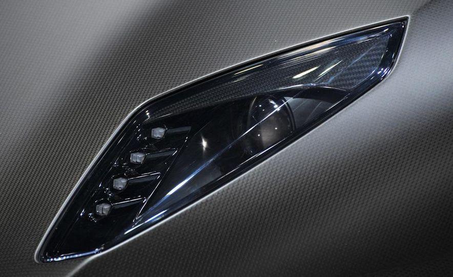Lamborghini Sesto Elemento concept - Slide 19
