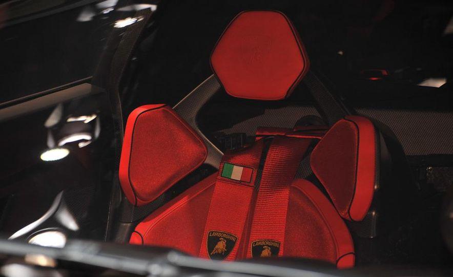 Lamborghini Sesto Elemento concept - Slide 27
