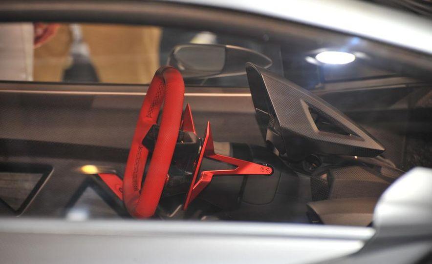 Lamborghini Sesto Elemento concept - Slide 28