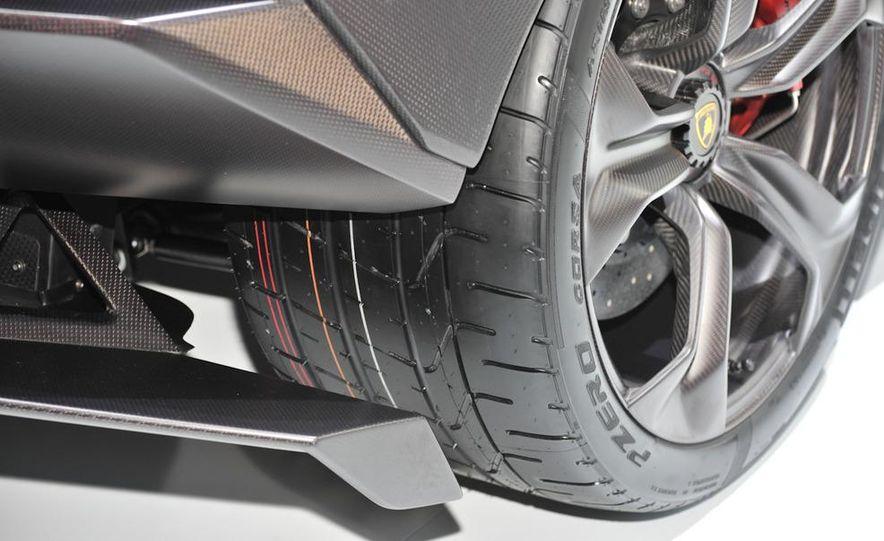 Lamborghini Sesto Elemento concept - Slide 17