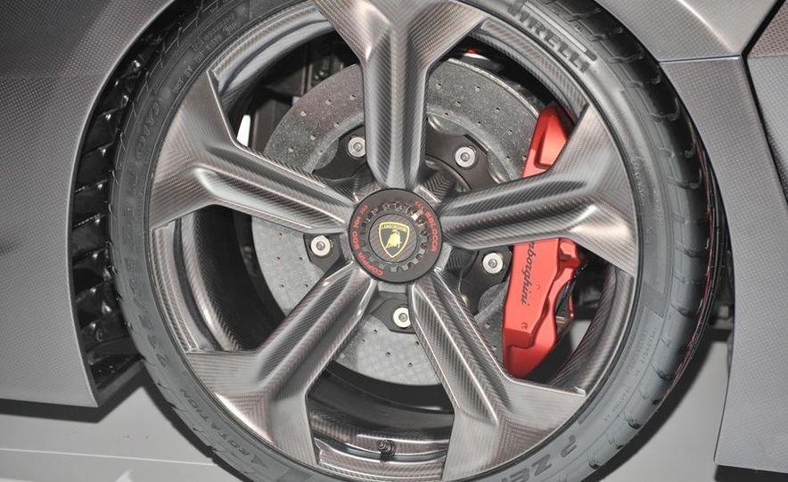 Lamborghini Sesto Elemento concept - Slide 11