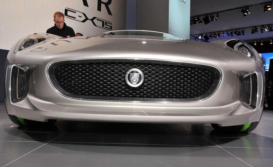 Jaguar C-X75 concept - Slide 12