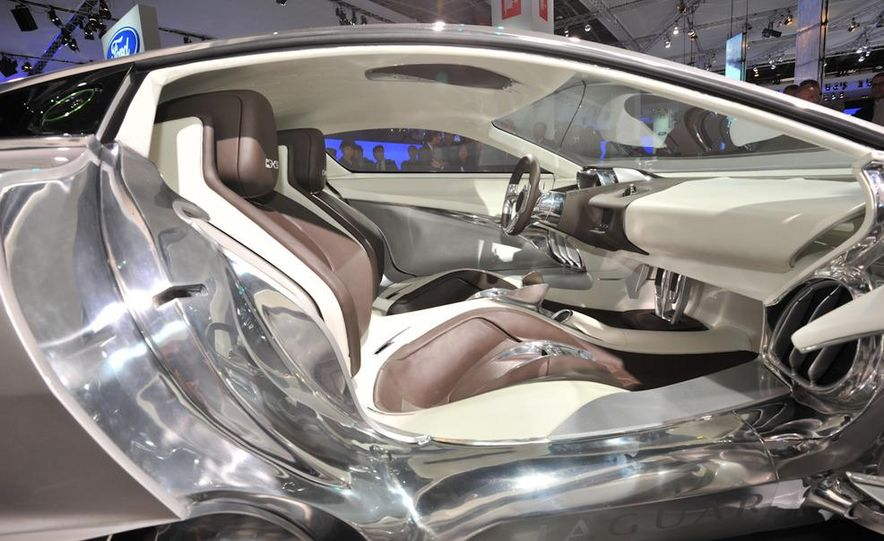 Jaguar C-X75 concept - Slide 20