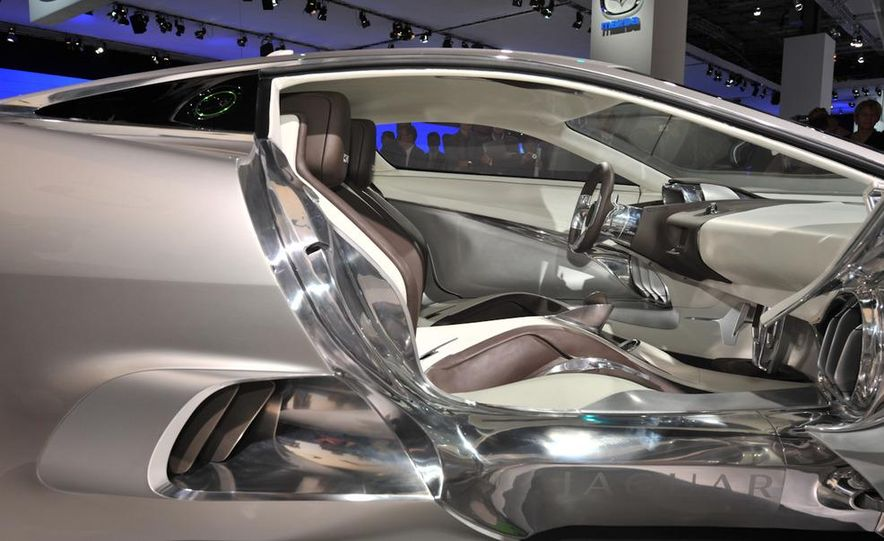 Jaguar C-X75 concept - Slide 15