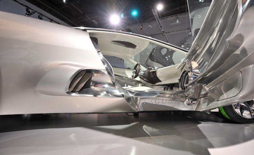 Jaguar C-X75 concept - Slide 18