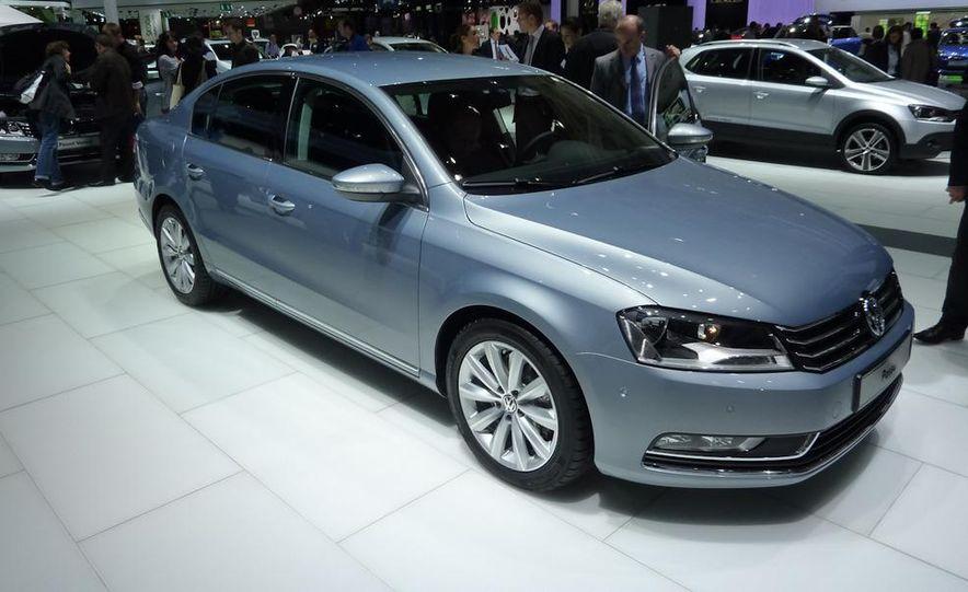 2011 Volkswagen Passat (European spec) - Slide 4