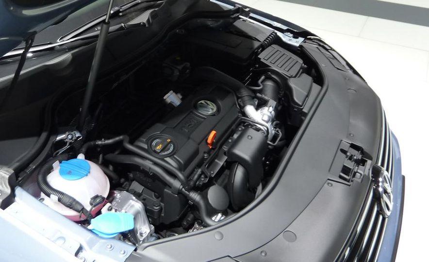2011 Volkswagen Passat (European spec) - Slide 10