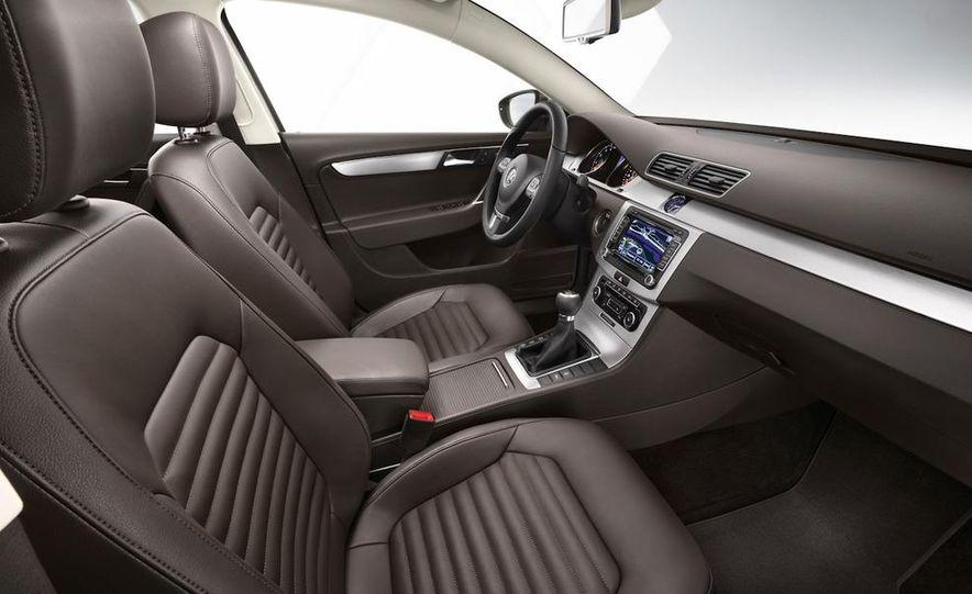 2011 Volkswagen Passat (European spec) - Slide 21