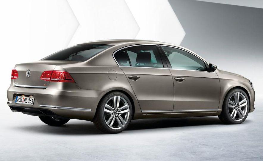 2011 Volkswagen Passat (European spec) - Slide 17