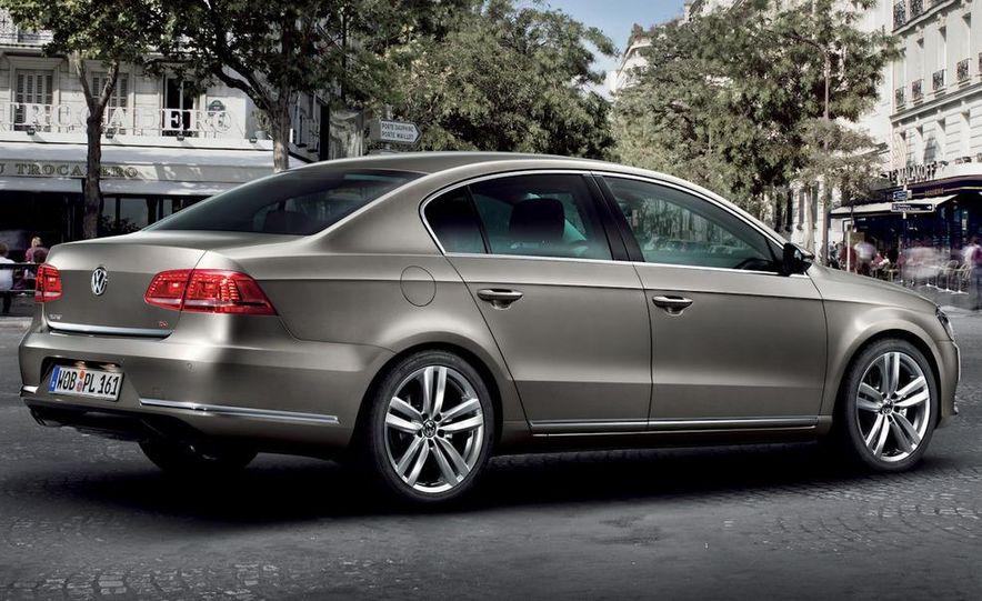 2011 Volkswagen Passat (European spec) - Slide 14