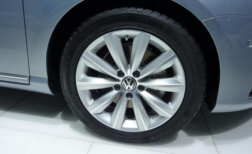 2011 Volkswagen Passat (European spec) - Slide 7