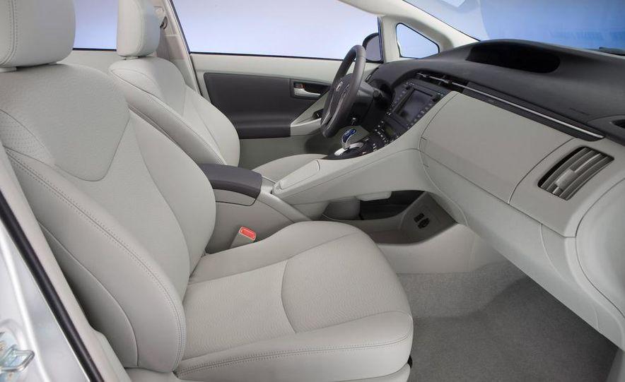 2012 Toyota Prius MPV (spy photo) - Slide 29