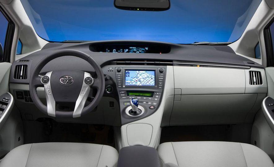 2012 Toyota Prius MPV (spy photo) - Slide 32