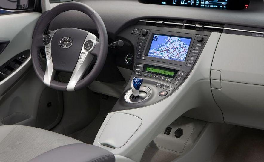2012 Toyota Prius MPV (spy photo) - Slide 33