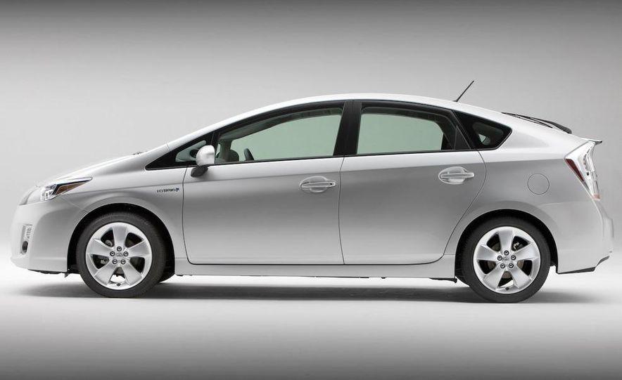 2012 Toyota Prius MPV (spy photo) - Slide 17