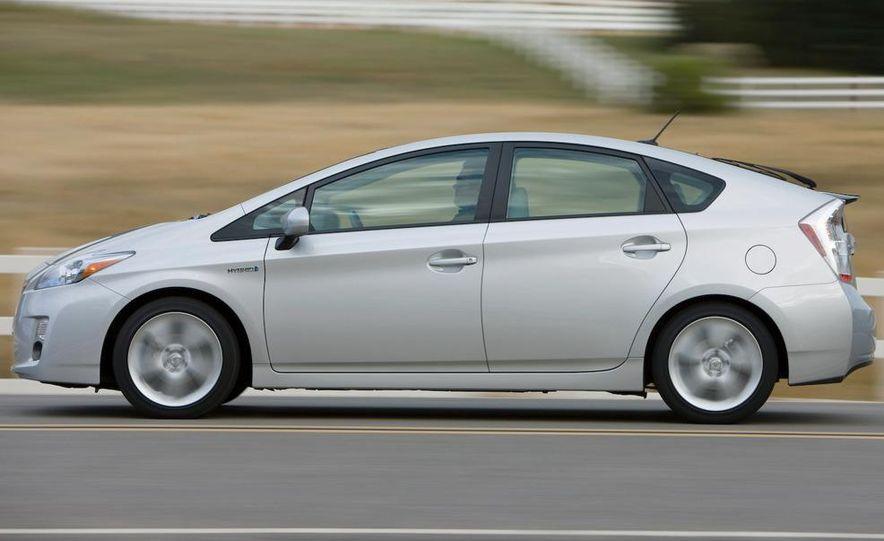 2012 Toyota Prius MPV (spy photo) - Slide 21