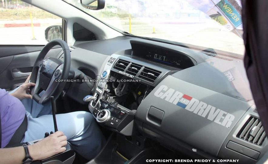 2012 Toyota Prius MPV (spy photo) - Slide 6