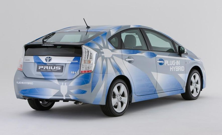 2012 Toyota Prius MPV (spy photo) - Slide 10