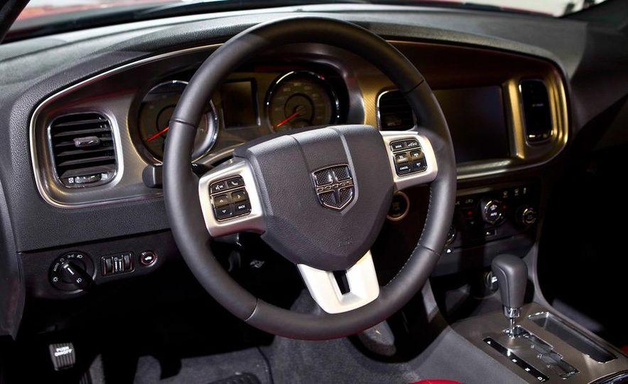 2011 Dodge Charger R/T - Slide 11