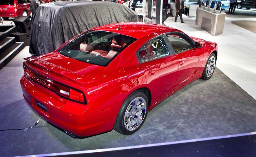2011 Dodge Charger R/T - Slide 1