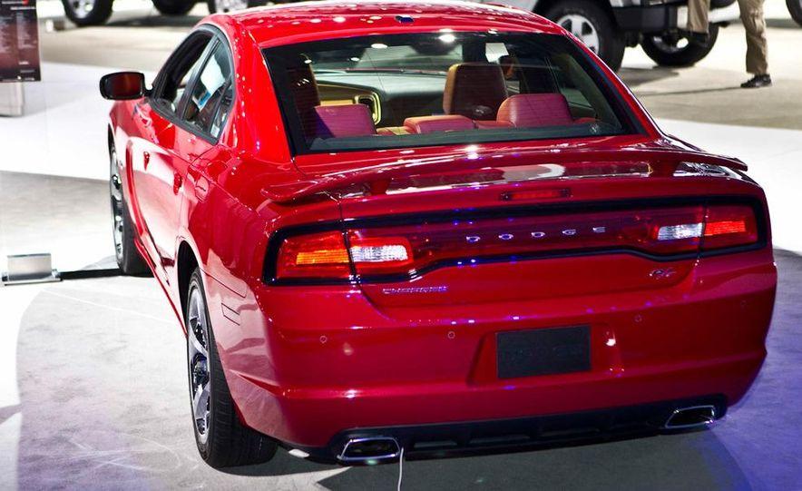 2011 Dodge Charger R/T - Slide 2