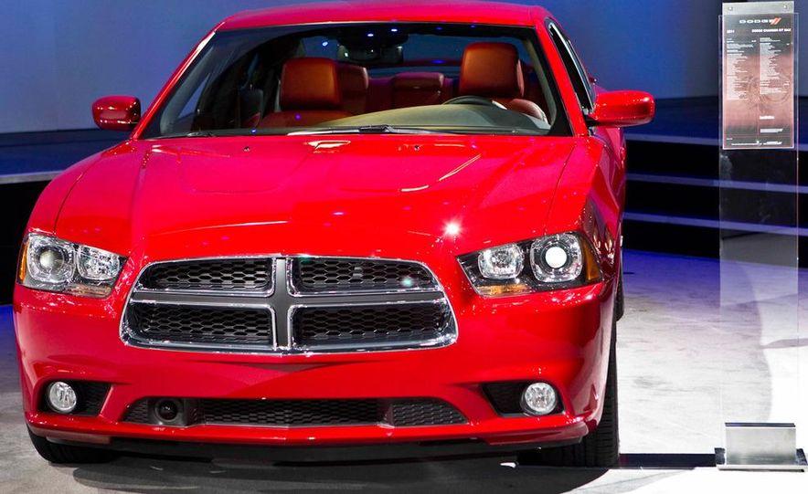 2011 Dodge Charger R/T - Slide 4
