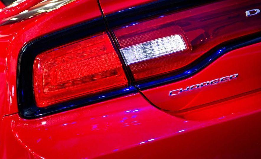 2011 Dodge Charger R/T - Slide 7