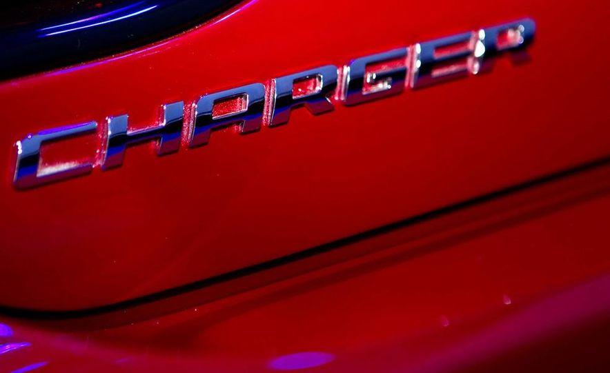 2011 Dodge Charger R/T - Slide 6