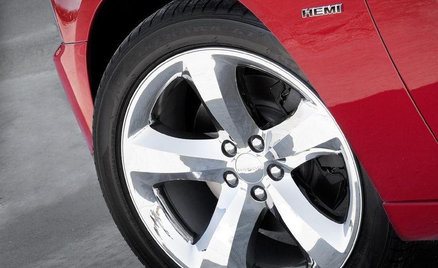2011 Dodge Charger R/T - Slide 23