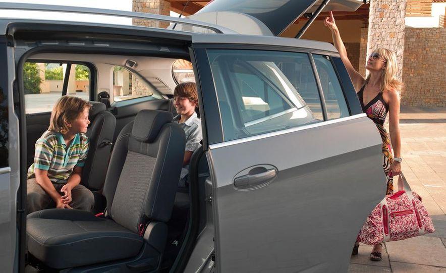 2012 Ford C-Max and Grand C-Max (European spec) - Slide 15