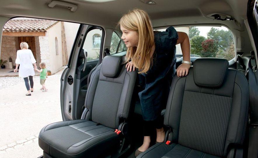2012 Ford C-Max and Grand C-Max (European spec) - Slide 32