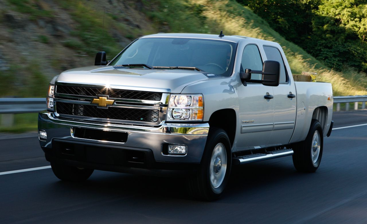 2011 chevrolet silverado hd 2500 crew cab 4x4 diesel road test review car and driver