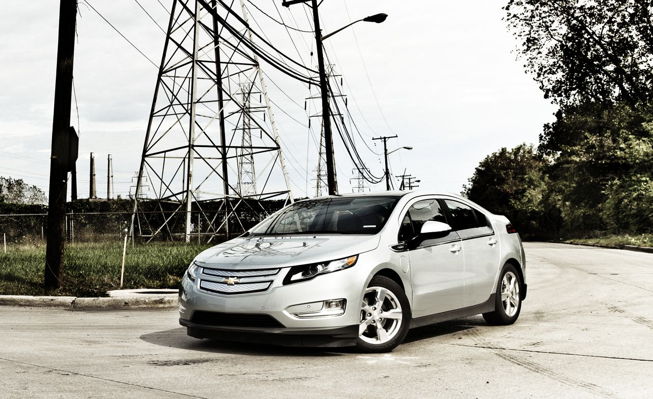 2019 Chevrolet Volt Reviews Price Photos And Specs Car Driver