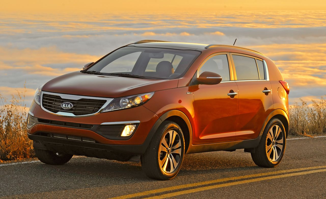 Kia Sportage Review: 2011 Kia Sportage EX FWD Tested U0026#150; Car And Driver