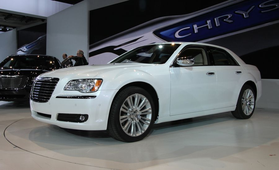 2011 Chrysler 300 / 300C Official Photos and Info