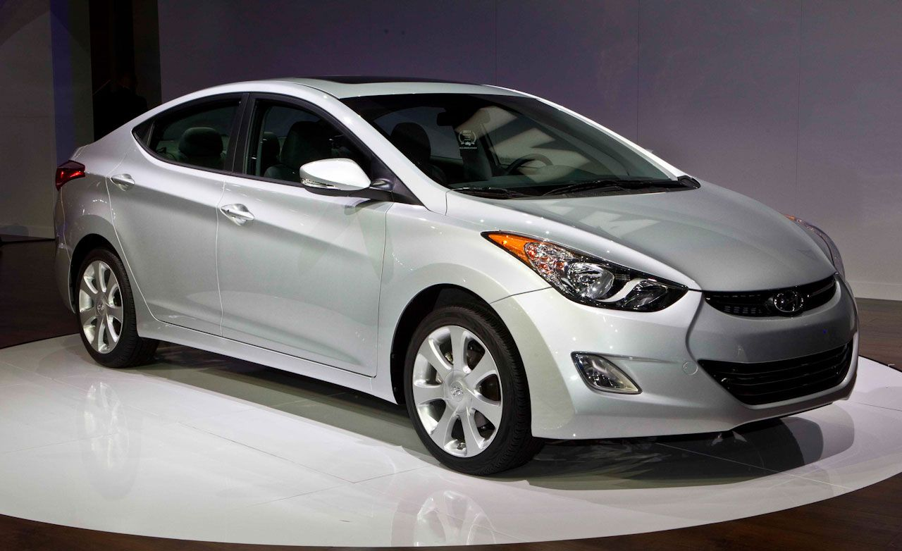 2011 hyundai elantra debuts hyundai elantra news car and driver. Black Bedroom Furniture Sets. Home Design Ideas