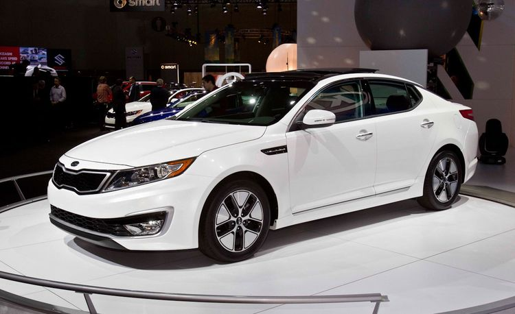 2011 Kia Optima Hybrid Official Photos and Info