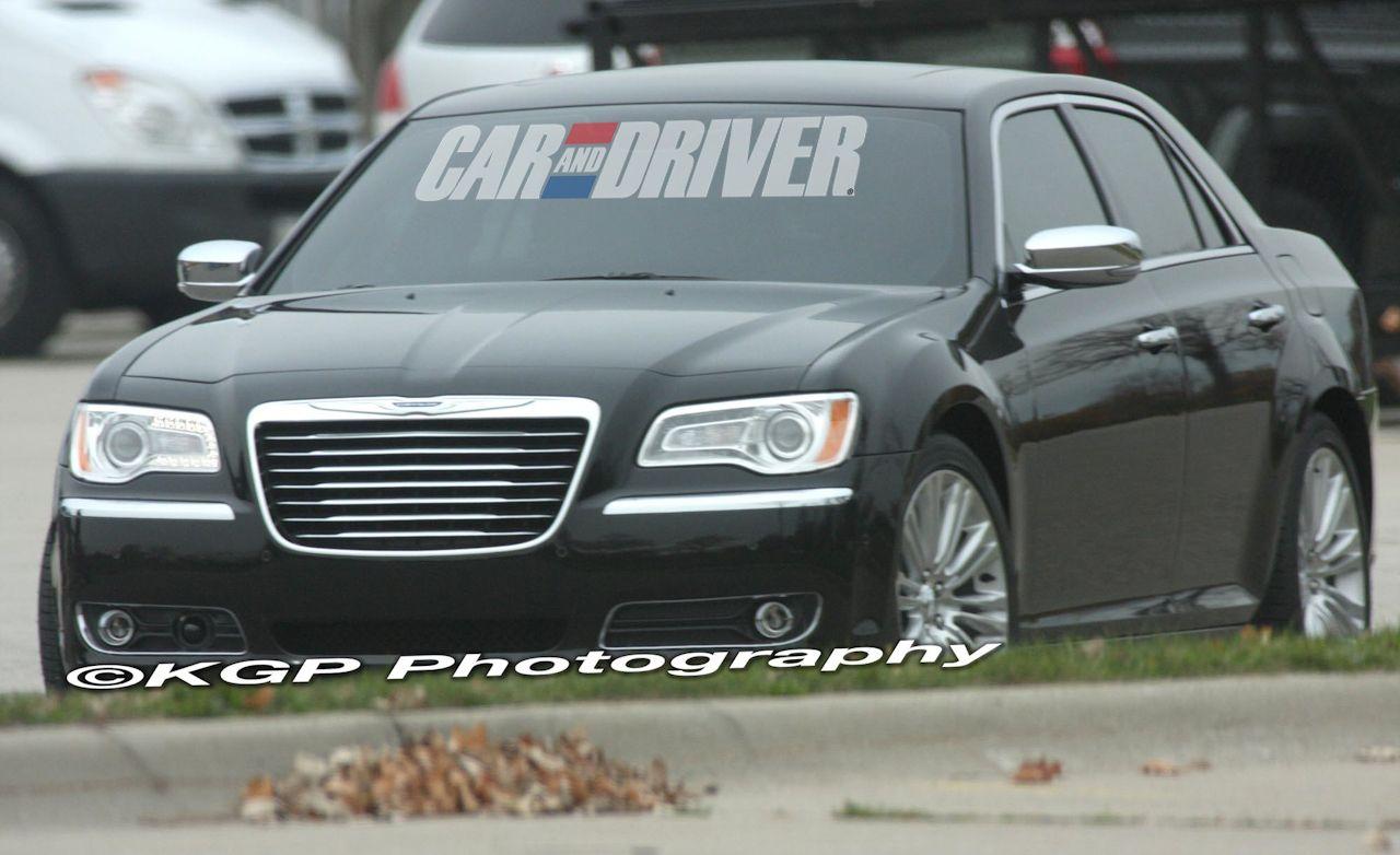 2011 Chrysler 300 Spy Photos